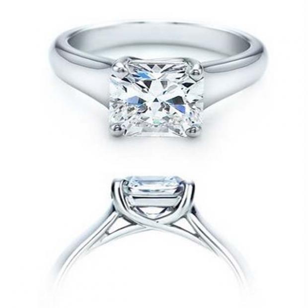 IGI Certified 0.91 Carat (ctw) 14K White Gold Brilliant Princess Diamond Ladies Engagement Solitaire Ring